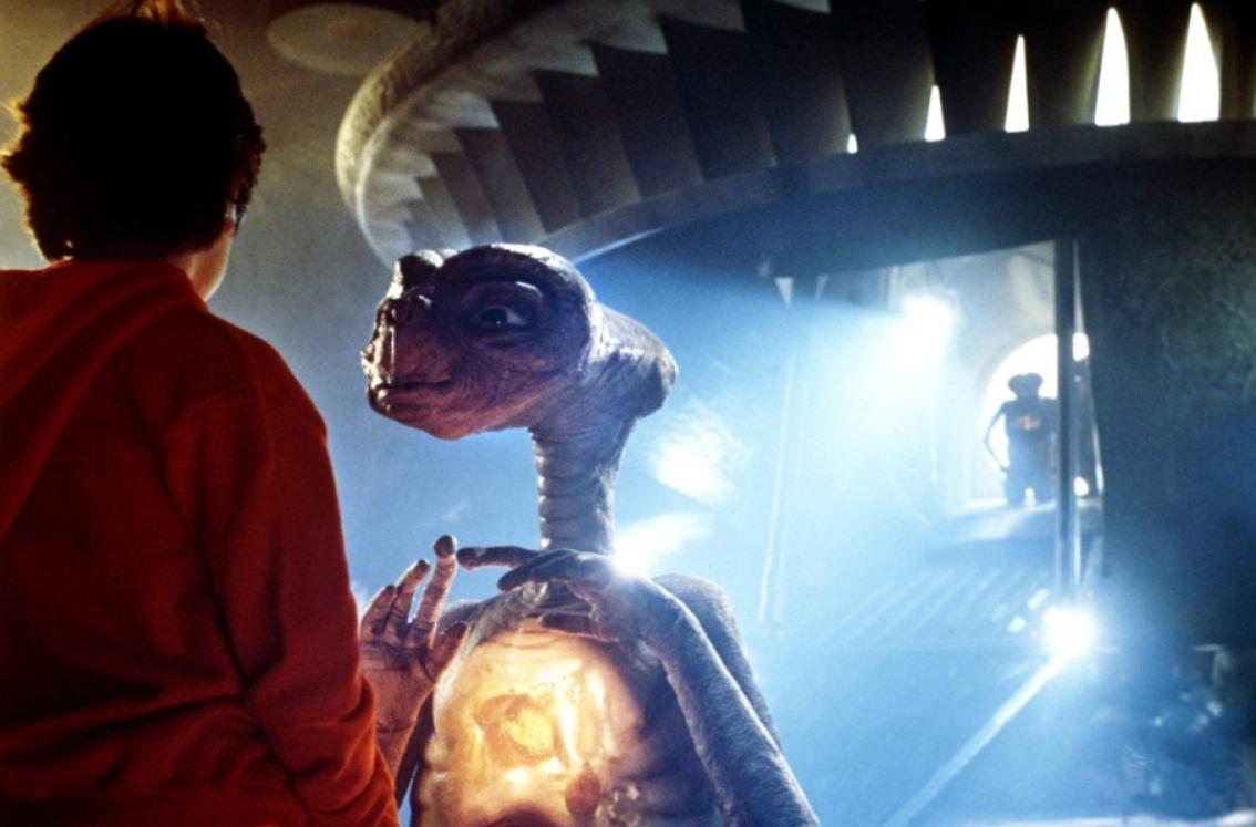 24 et the extraterrestrial 1982